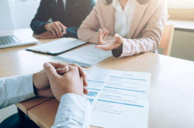 How to Conduct an Effective Exit Interview (Examples)